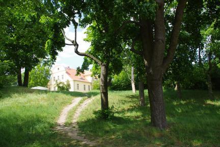 Touristische Geländeerschließung des Gutsparks Neukladow
